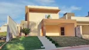 Sobrado condomínio na avenida Bom Pastor - Condomínio Delfos - (67) 99292-9002