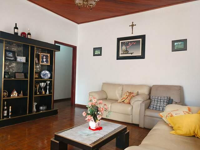 Casa a 01 quadra da Av. Mato Grosso (67) 99292-9002