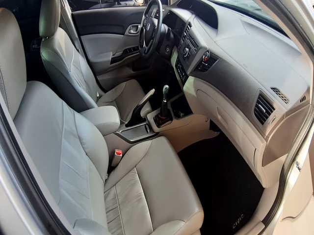HONDA - Civic LXS 1.8 16v Ano/Modelo 14/14