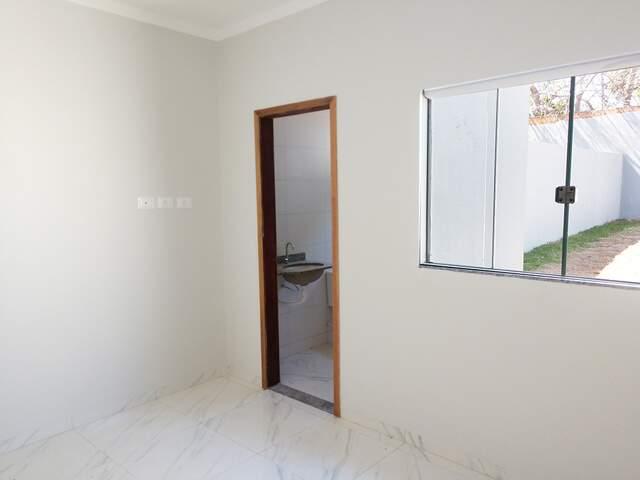 Casa nova na Av. Três Barras