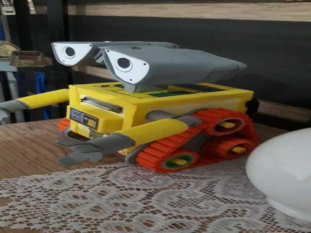 Cofrinho Modelo Robô Wall-e