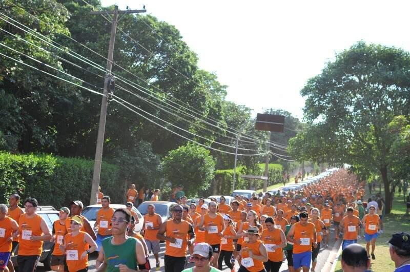 6ª Meia-Maratona Volta das Nações teve 26 mil inscritos e uma pessoa morreu durante a prova (Foto: Alcides Neto)