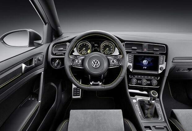 VW apresenta Golf com motor de 400 cv no Salão de Pequim