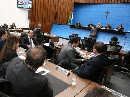 Deputados mantêm vetos do governo e arquivam quatro projetos de leis
