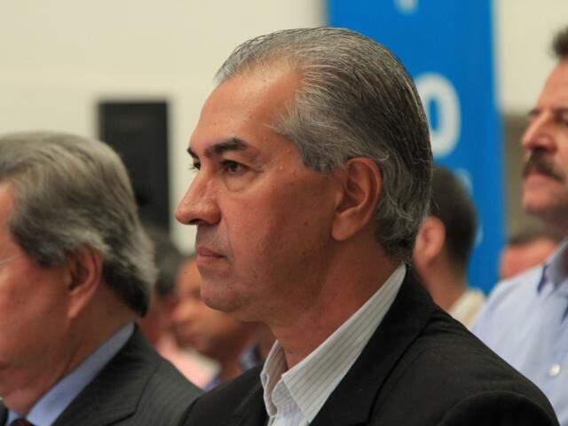 Governador do Estado, Reinaldo Azambuja, durante evento na Sanesul, nesta quarta-feira. (Foto: Marina Pacheco).