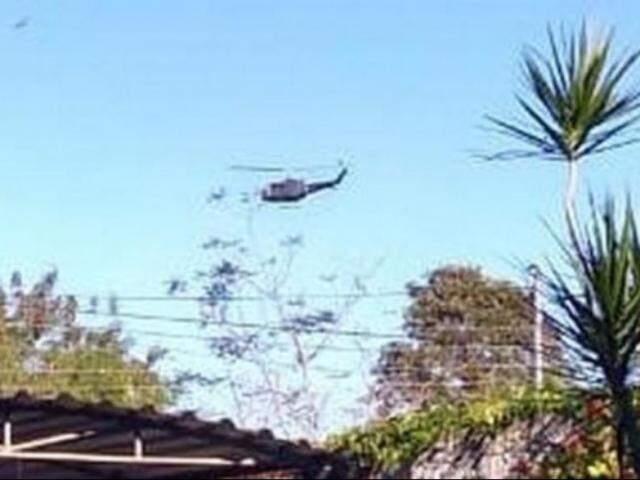 Helicóptero sobrevoa fronteira entre Brasil e Paraguai. (Foto: Capitán Bado.com)