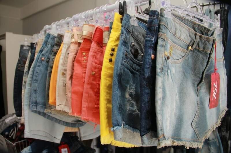 Bermudas, saias e calças têm numeração do 36 ao 46.