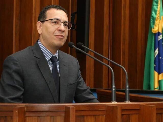 Procurador-geral da Justiça, Paulo Passos, durante sessão na Assembleia (Foto: Victor Chileno/ALMS)