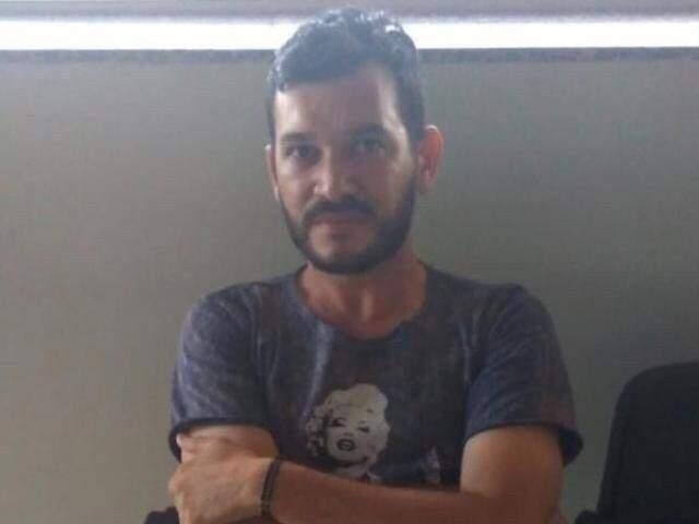 Hugleice em novembro de 2018, depois de ser preso pela PRF em Dourados (Foto: Direto das Ruas/Arquivo)