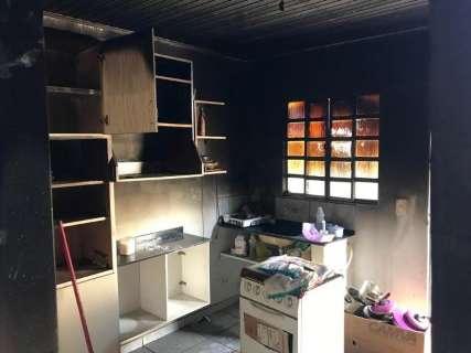 Mulher pode ter sido torturada por companheiro para confessar incêndio criminoso
