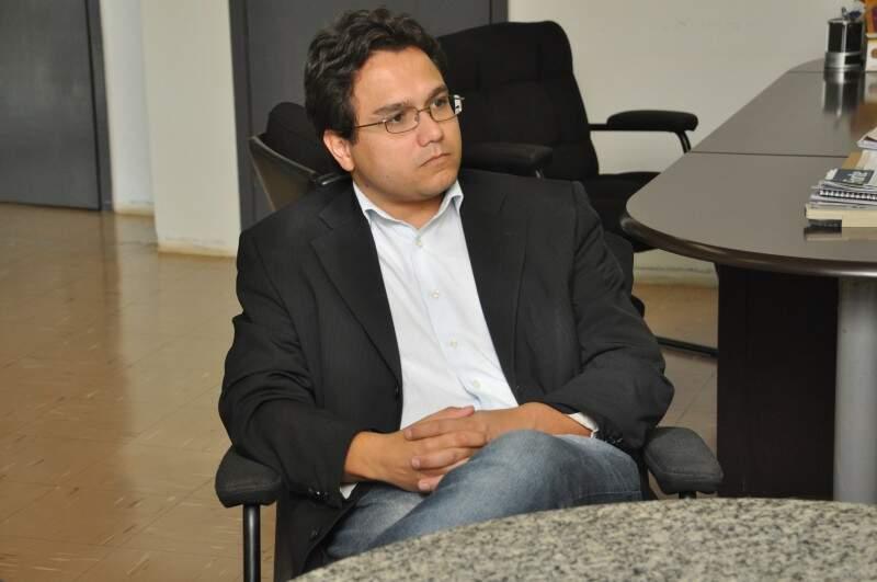 Secretário-adjunto, Pedro Pedrossian Neto, especifica sobre investimentos que deram certo. (Foto: Marcelo Calazans)