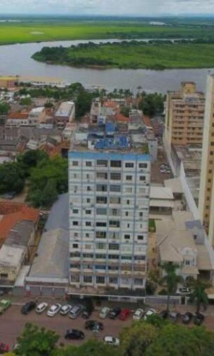 Primeiro edifício de Mato Grosso com apartamentos, construído na década de 1950 (Foto: DIvulgação)