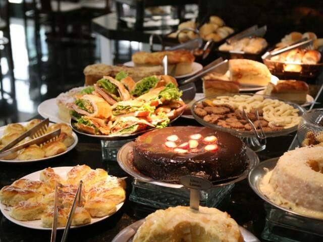 Mesa de café da manhã em hotel de Campo Grande: refeição ficou mais cara na cidade ( Foto: Fernando Antunes/arquivo)