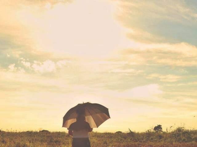 Em Campo Grande, por volta das 7h30, o sol já estava quente com temperaturas na casa de 24,7ºC (Foto: Henrique Kawaminami)