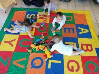 Fábia criou um espaço lúdico para crianças. (Foto: Divulgação)