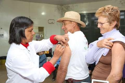 Saúde recebe 24 mil doses e corre contra o tempo para concluir vacinação