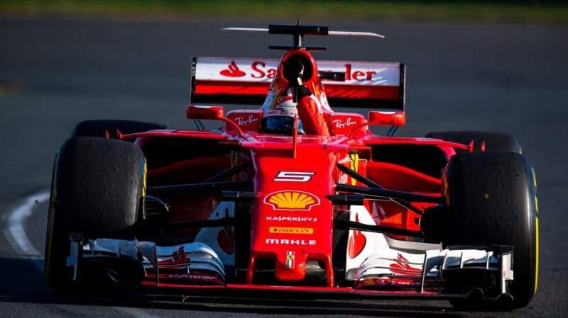 Sebastian Vettel celebra vitória após a corrida na Austrália. (Foto: Divulgação/F1)