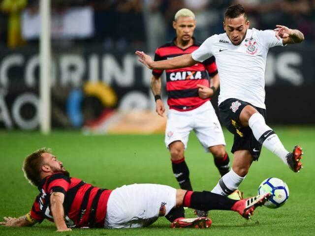 O placar favorável também quebrou o jejum do time que a quatro partidas não vencia. (Foto: Djalma Vassão/Gazeta Press)