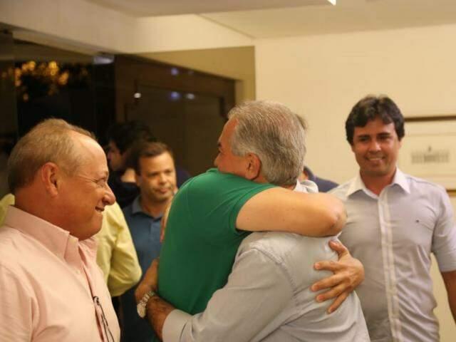 Governador recebeu aliados para comemorar resultado. (Foto: Paulo Francis)