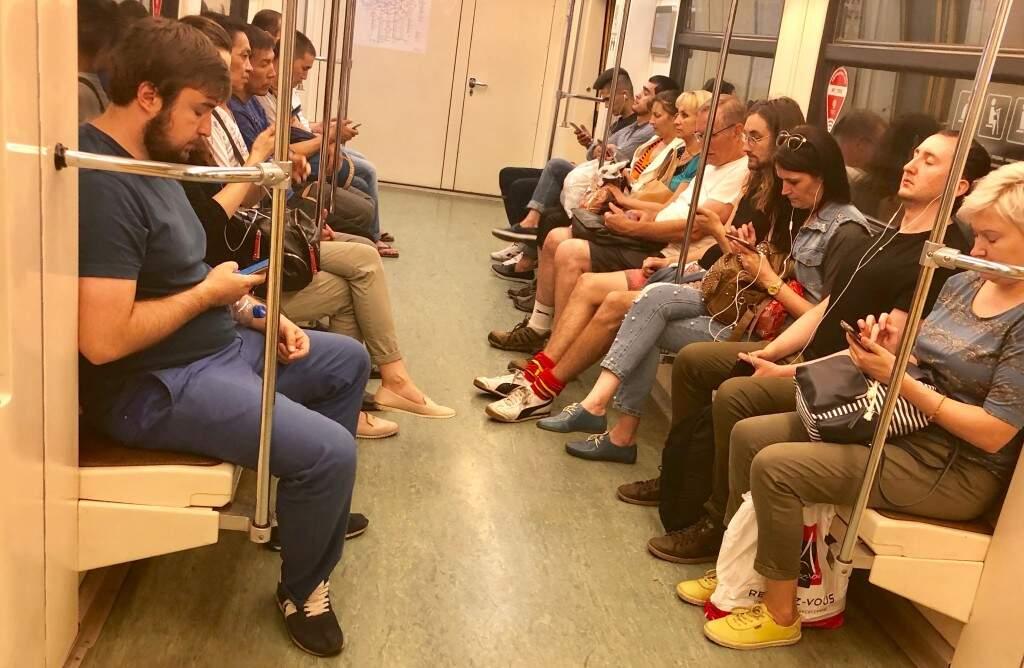 Em todas as estações de metrô há acesso gratuita ao sistema de wifi, funciona perfeitamente (Foto: Paulo Nonato de Souza)