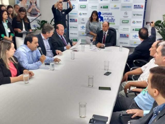 Produtores participaram de evento na Assembleia Legislativa alusivo a Semana Estadual do Leite (Foto: Leonardo Rocha)
