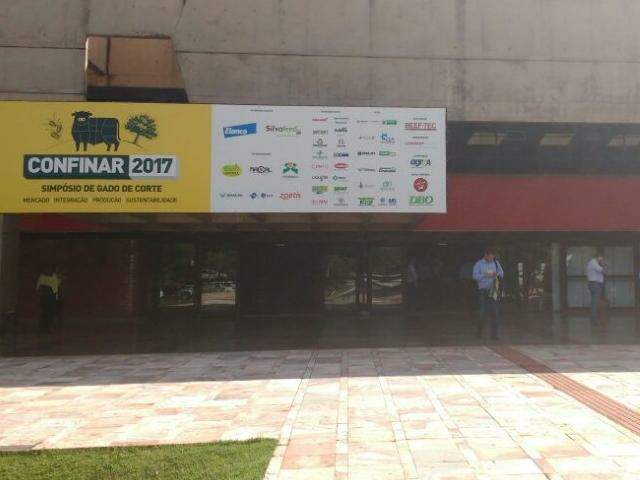 Confinar está sendo realizado no centro de Convenções Rubens Gil de Camillo, em Campo Grande. (Foto: Renata Volpe)