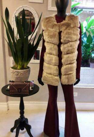 Garpy também tem muitas peças de alto inverno, como o colete longo.