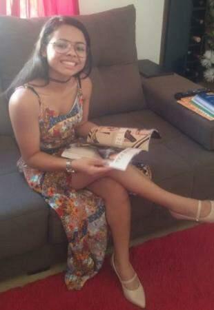Andressa é uma menina linda, com sorriso encantador. (Foto: Arquivo Pessoal)