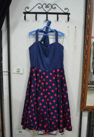Vestido plus size R$ 100,00 e veste de 50 a 52. (foto: Thaís Pimenta)