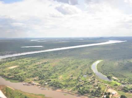 Do alto, rio Paraguai e Pantanal esbanjam beleza e encantam os tripulantes