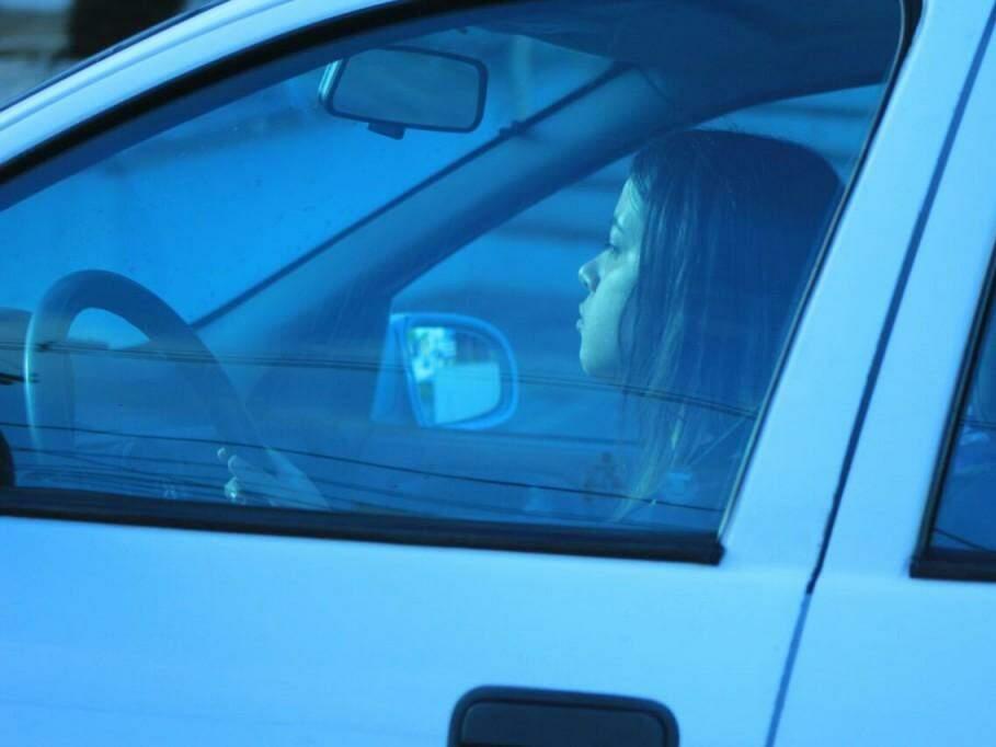 Motorista em rua da Capital (Foto: Marina Pacheco)