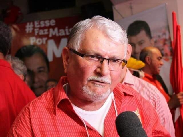 Ex-governador Zeca do PT foi quem começou as demissões no ano passado, para reduzir custos (Foto: Arquivo)