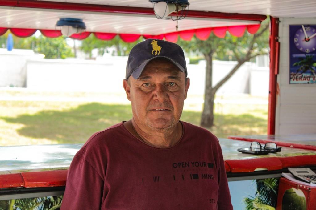 Vendedor de cocos Ronaldo Ivan (Foto: Kísie Ainoã)