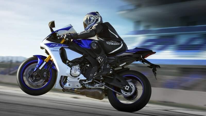 Yamaha apresenta a nova YZF-R1 2015