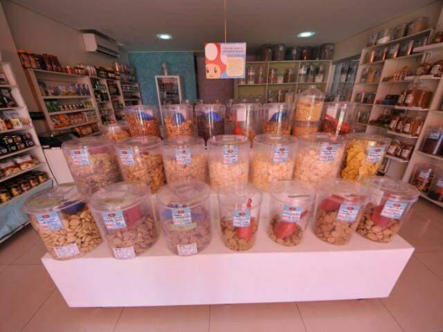 Empório possui cerca de 200 itens a granel (Foto: Alcides Neto)