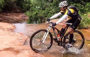 Percurso de até 98 km tem rios e córregos para contemplação dos ciclistas. (Foto: Divulgação)