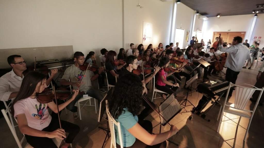 Orquestra de Campo Grande também teve seus projetos resgatados graças a Fraternidade Sem Fronteiras (Foto: Assessoria)