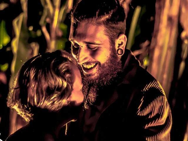 São quase dois anos de relacionamento entre descobertas e encaixes perfeitos entre Nathalia e Henrique, (foto: Vaca Azul)