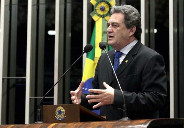 Senador Waldemir Moka apresentou projeto prevendo que presos paguem pelos custos (Foto: Divulgação)