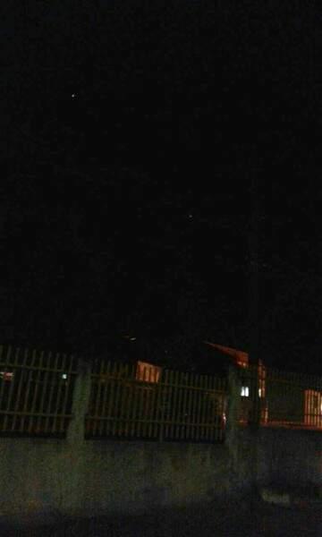 Escuridão foi registrada pelo morador. (Foto: Direto das ruas)
