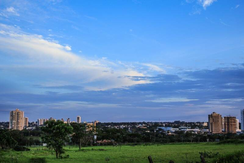 Quarta-feira inicia parcialmente nublada em Campo Grande, com mínima de 25ºC. (Foto: Marina Pacheco)