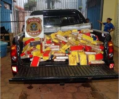 Polícia Federal apreende 316 kg de cocaína em assoalho de caminhão