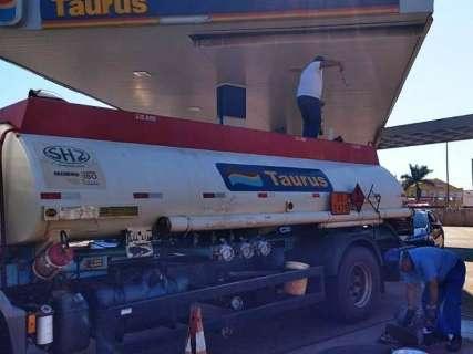Paralisação é mantida, mas postos começam a receber combustíveis