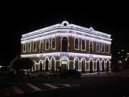Sesc e prefeitura inauguram decoração de Natal da Morada dos Baís