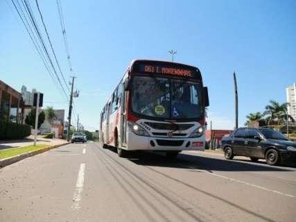 Prefeito veta projeto que obriga inclusão de número para reclamação em ônibus