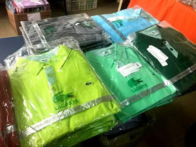 Bazar tem camisetas masculinas polo, do P ao G, por R$ 40,00.