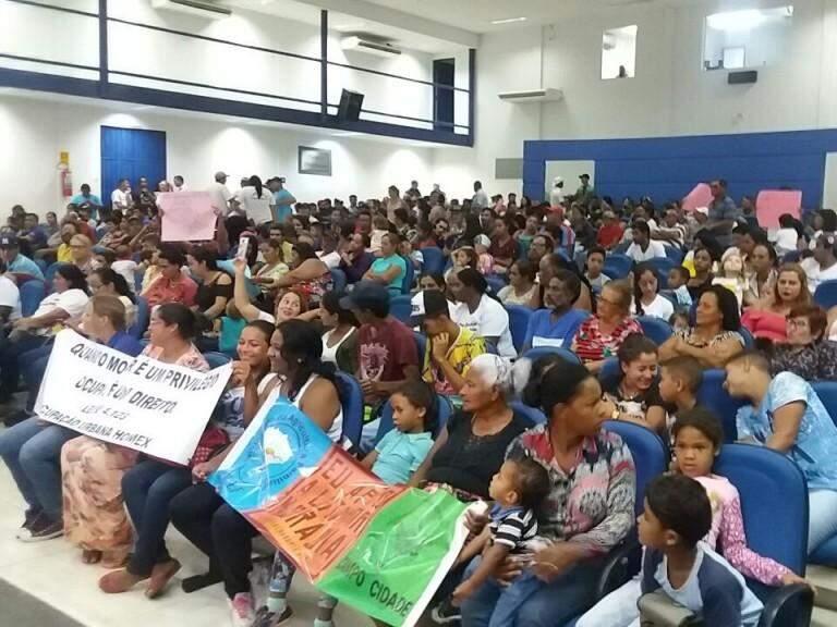 Plenário lotado (Foto: Liniker Ribeiro)