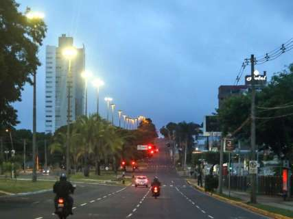 Terça-feira de Carnaval tem céu nublado, chuva e alerta de temporais em MS