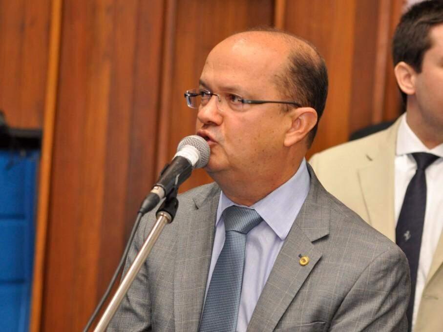 Deputado José Carlos Barbosa no uso da palavra livre em sessão (Foto: ALMS/Divulgação)