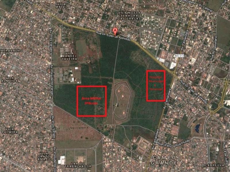 De um lado, o Exército fará um novo batalhão, do outro a prefeitura quer fazer obras públicas (Foto: Google Maps - Arte: Marcos Ermínio)